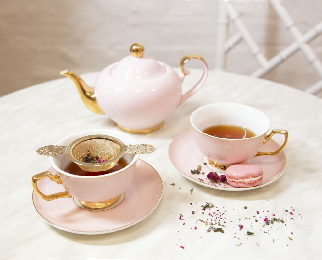 Cristina Re - Pink Teacups and Teapot